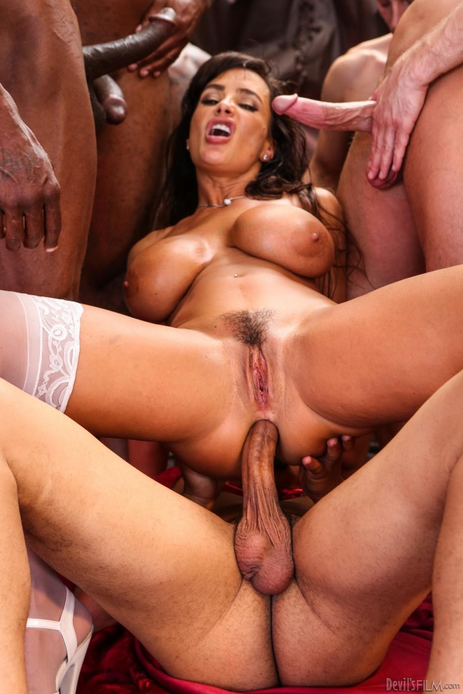 porn-thumbnail-movie-galleries-big-cock-excites-wife