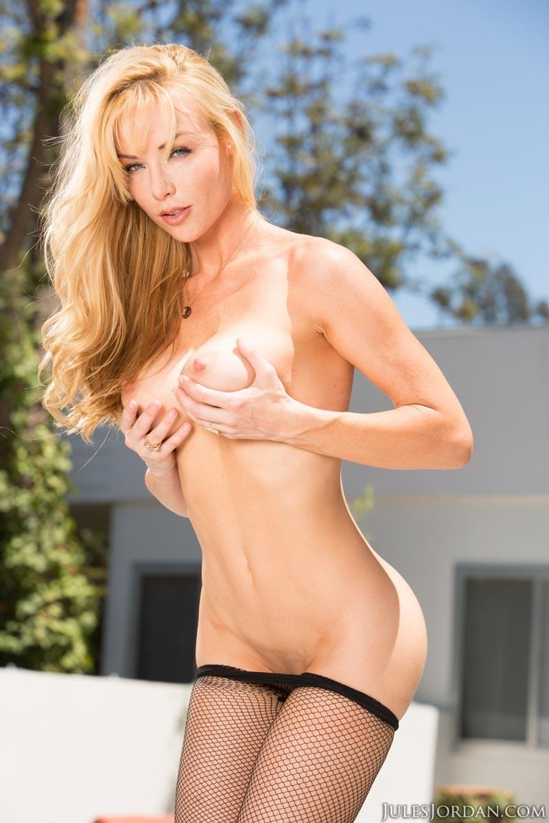 Анальный секс с блондинкой среднего возраста