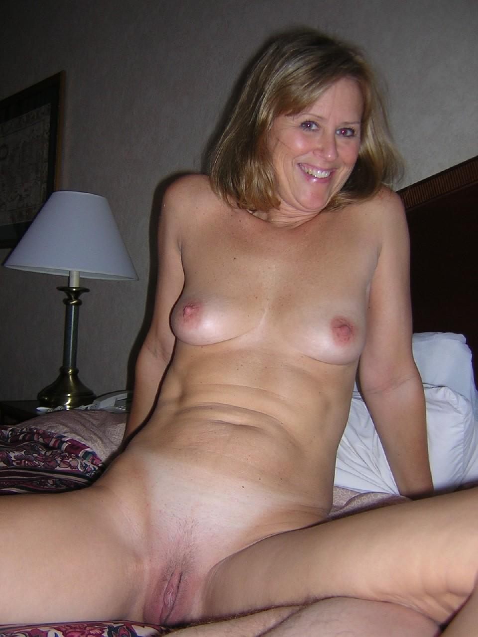 Hot Women Posing Nude