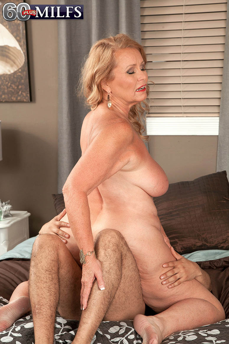 Recently Featured Mature Porn pictures
