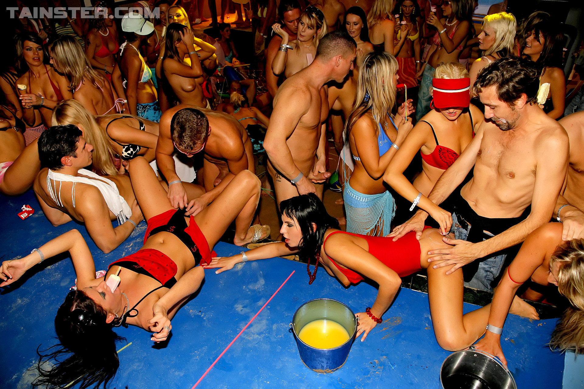 Порно вечеринки на ибице фото #8