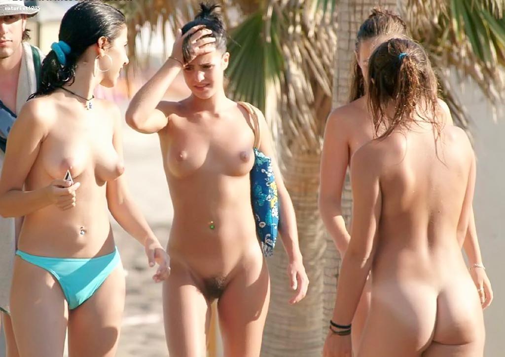 Красивые фотографии с нудистского пляжа, огромное количество небритых пезд и больших членов