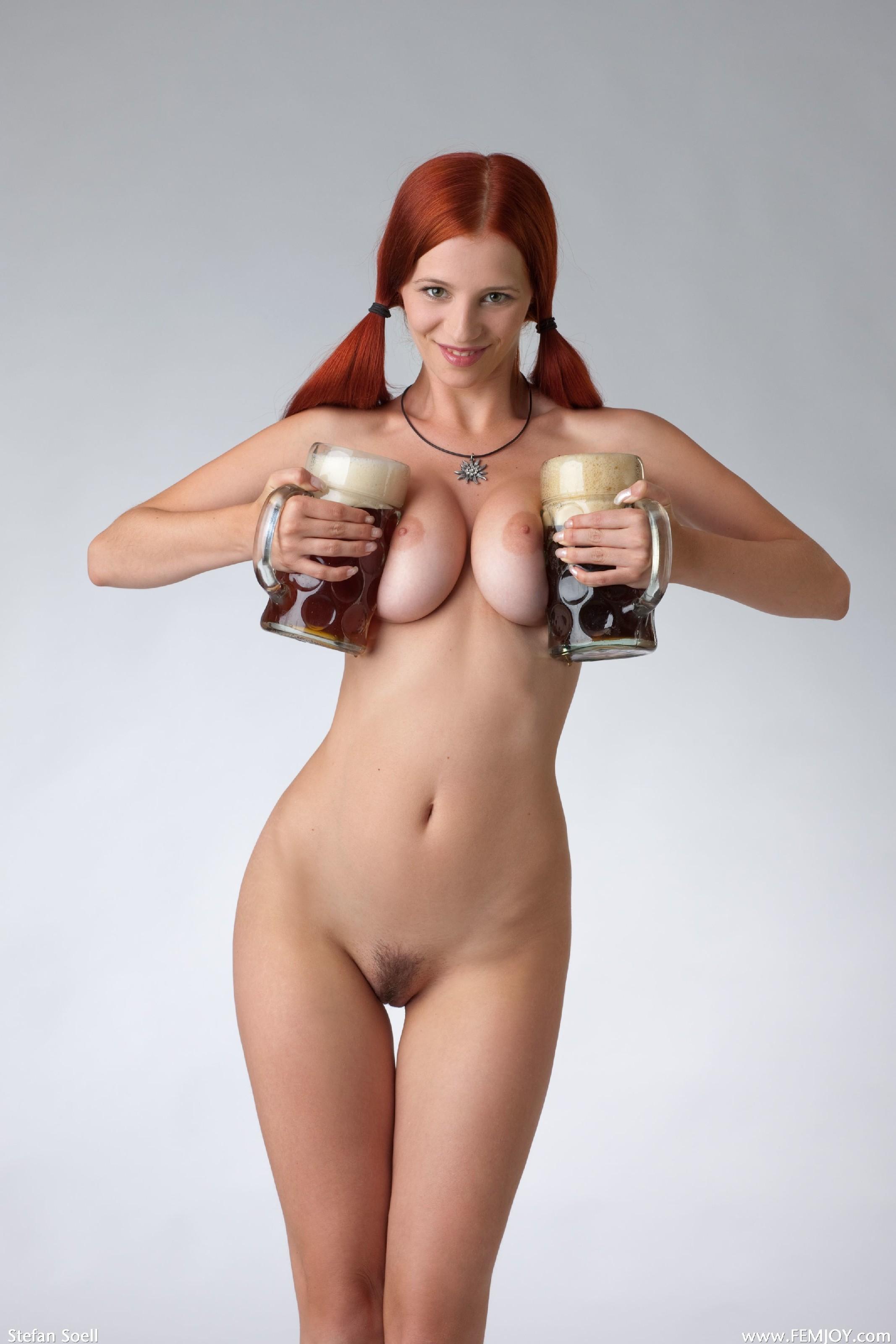 Фото голых девушек с пивом, горничная хочет секса