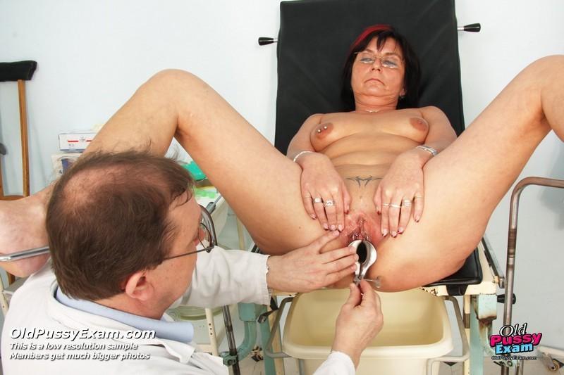 что у гинеколога на осмотре видео пожилые люди среди