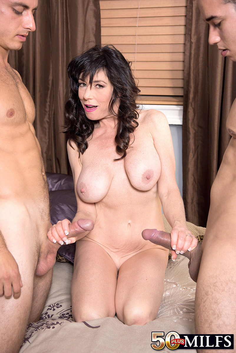 Mature hairy handjob