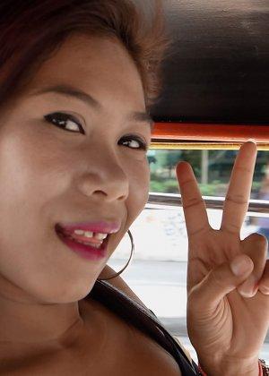 За большие деньги азиатская девушка согласилась на горячий анальный секс