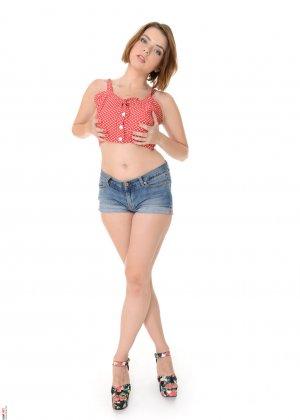 Марина Висконти захотела сняться в обнаженном виде, чтобы со стороны увидеть, как она сексуальна