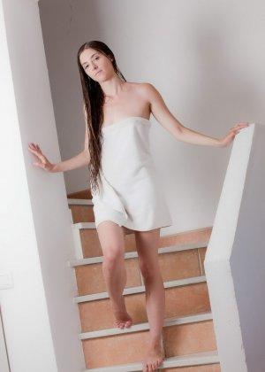 После ласкового вагинального секса тепленькая сперма брызнула в ротик красотки