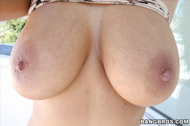 Anissa Kate ебется в попочку