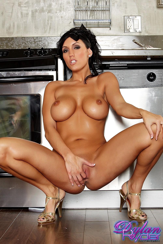 Lisa Ryder Sexy