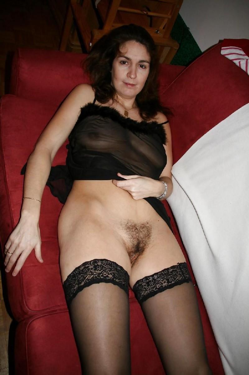 Зрелая дама без нижнего белья порно
