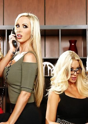 Nikki Benz, Summer Brielle, Courtney Taylor, Nina Elle - Галерея 3454414