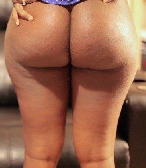 Жена с большой задницей любит быть отшлёпанной