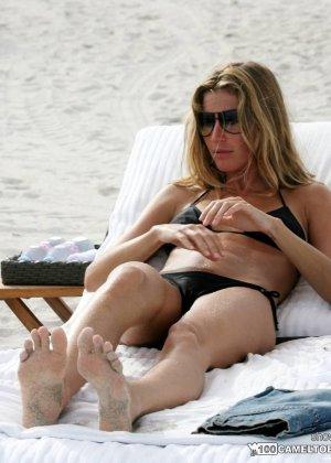 Сексуальные знаменитости, они выглядят хорошо даже, когда отдыхают или ходят за покупками