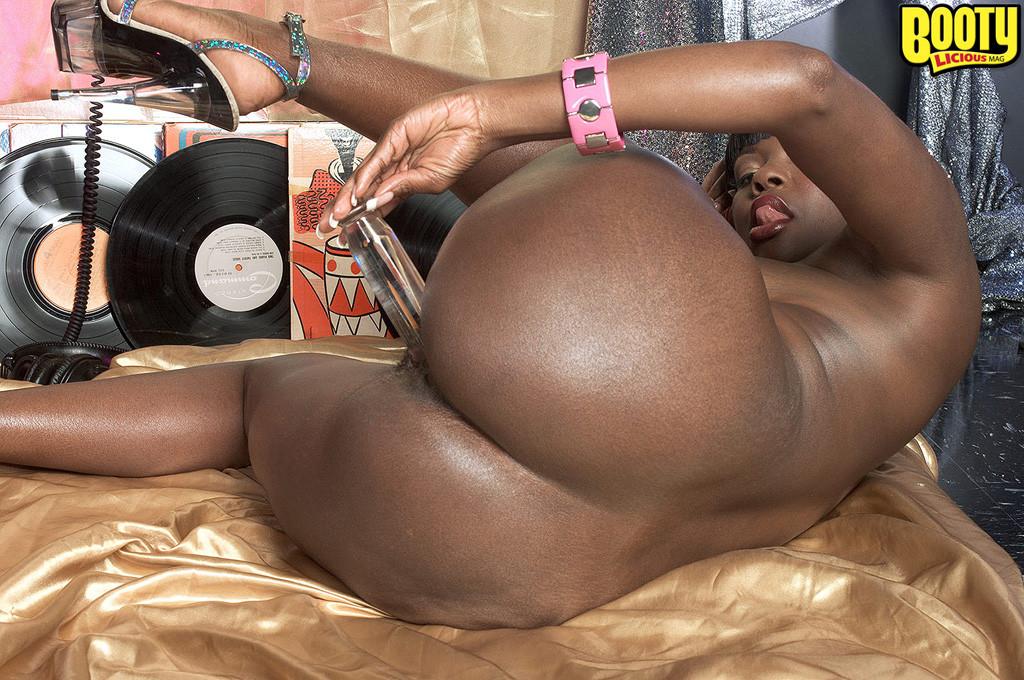 Члены негр и негритянка с большой попкой под рэп ремонт телевизора японская