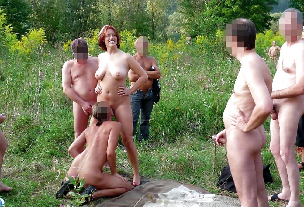 Фото голые жены свингеров на природе подругу сквирт