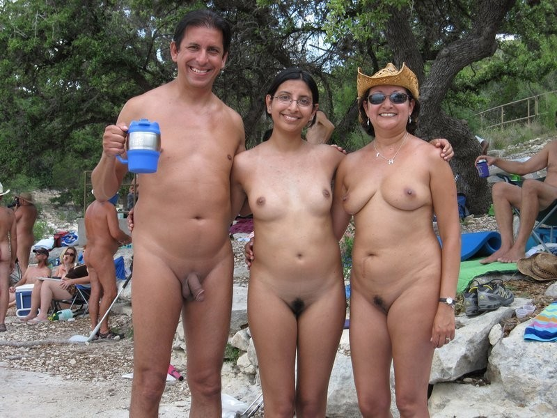 Desi family on nude beach — img 10