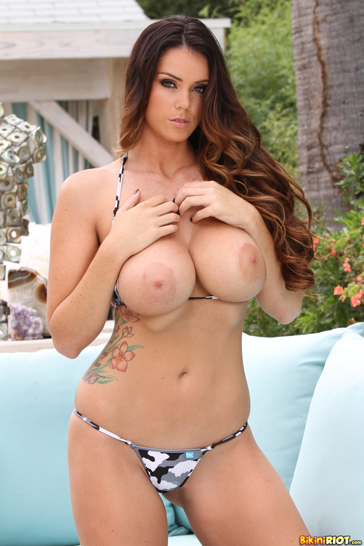 Sexy busty bikini pornstar #4