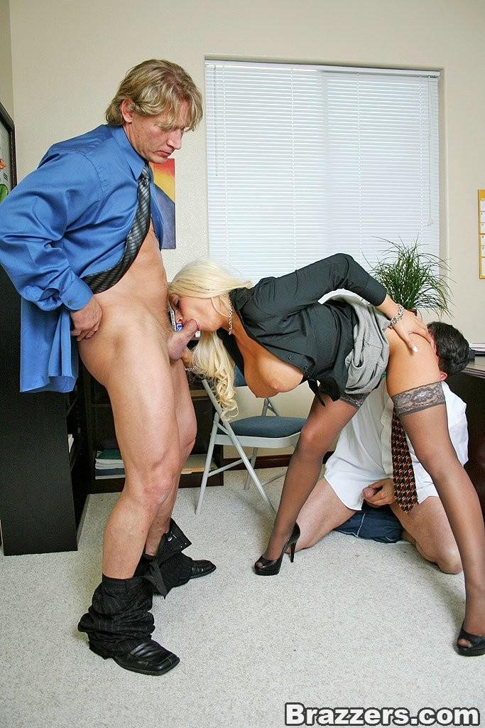 фото секс пришла устраиваться на работу в частный дом без