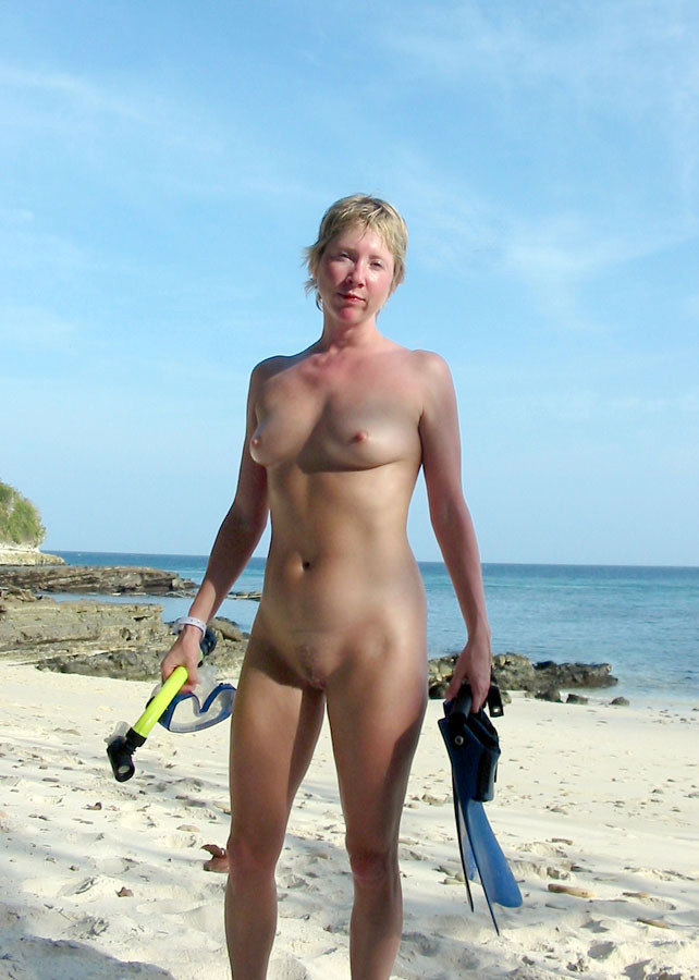 nudist-beach-hunters-nude-sunny-leone-during-sex