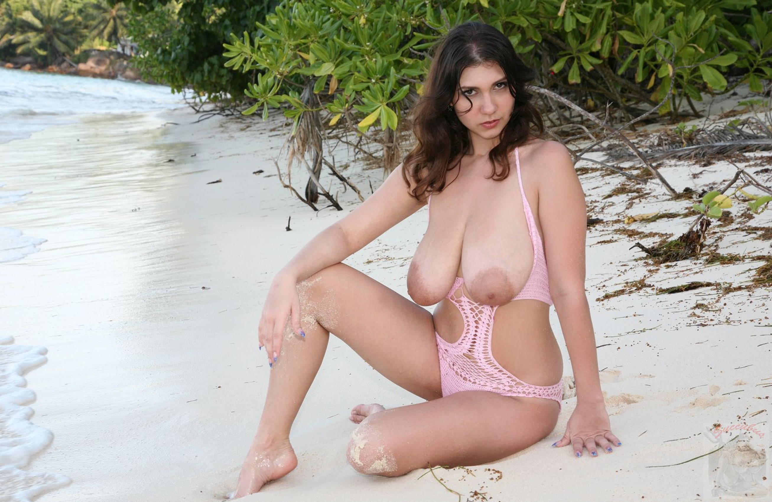 beach-busty-tgp