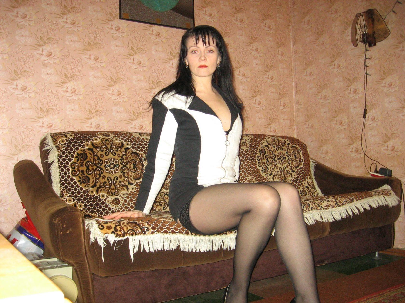 Фото секса голых шалав, интенсивно ебут в глотку