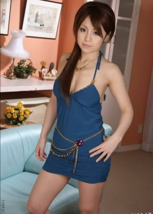 Голая красотка азиатка