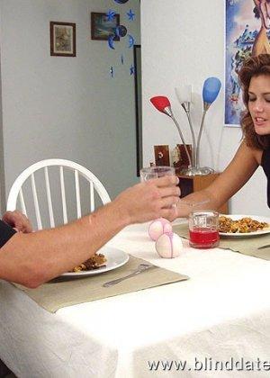 Накормил женщину не только обычной едой