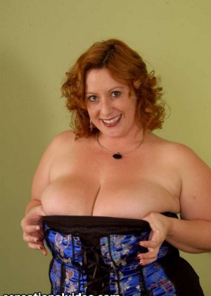 Секс с красивой толстой рыжей дамой Никки Карс