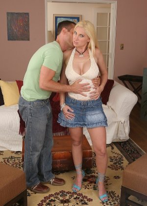 Блондинка Devon Lee дала в киску