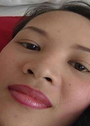 Азиатка с красивой пиздой пососала хуй