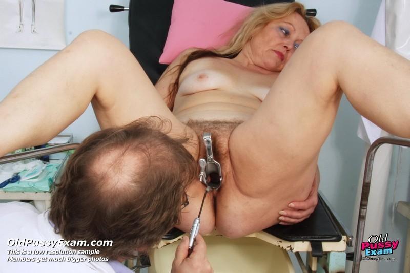 wife-pussy-examined-naked
