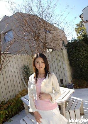 Грудастая японская модель