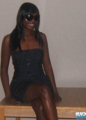 Сексуальная темнокожая подруга