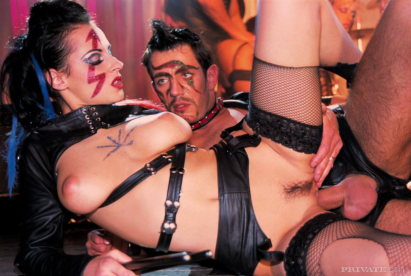 Порнуха фото развратное, порно дрочат на волосатый лобок женщинам