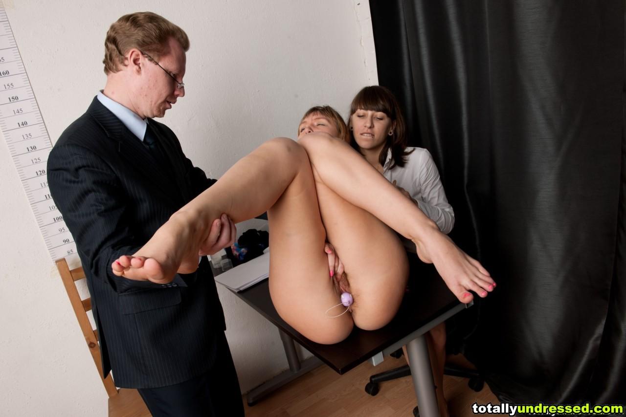 Проверка секретарши на профпригодность порно онлайн вам придется