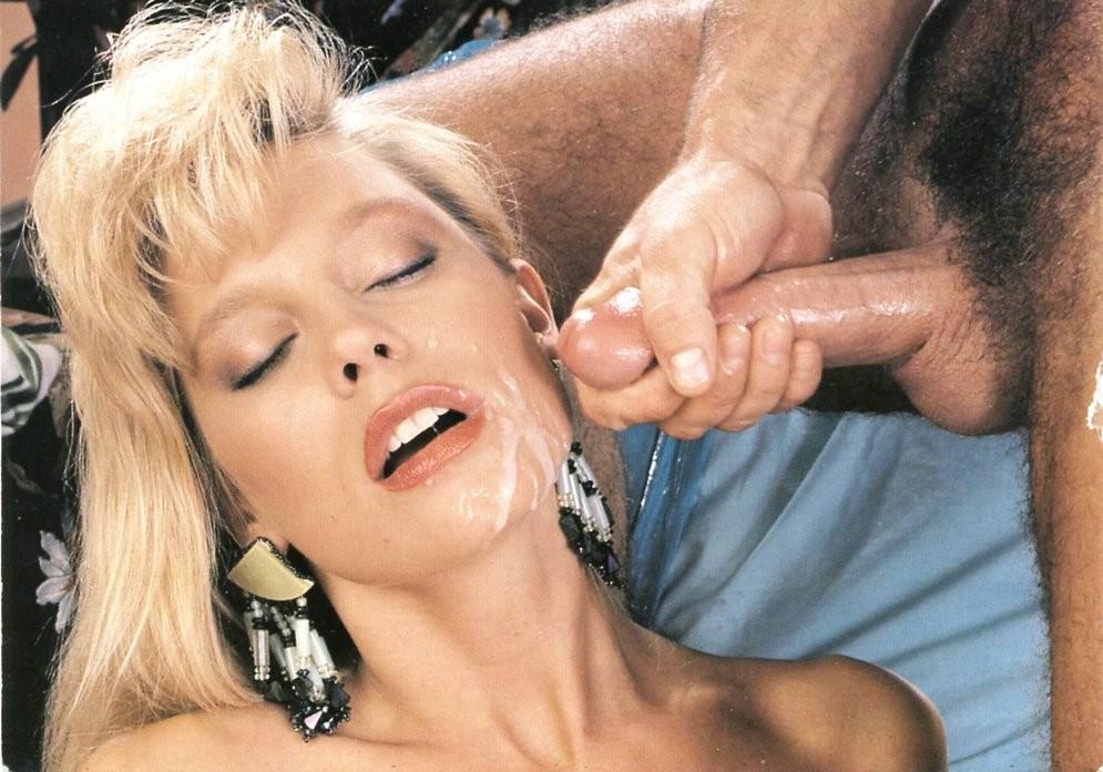 Порно фильм вспоминая это каролин монро, в палатке смотреть видео
