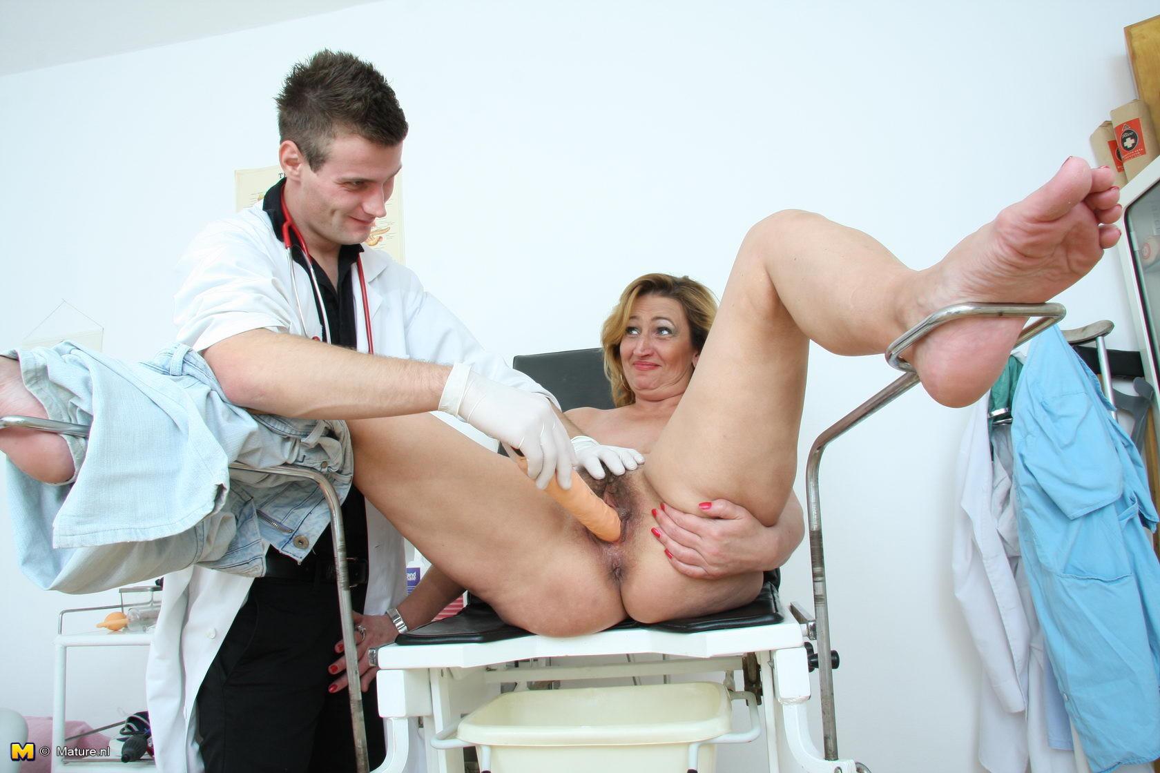 Как женщине гинекологу осматривать мужчину фото