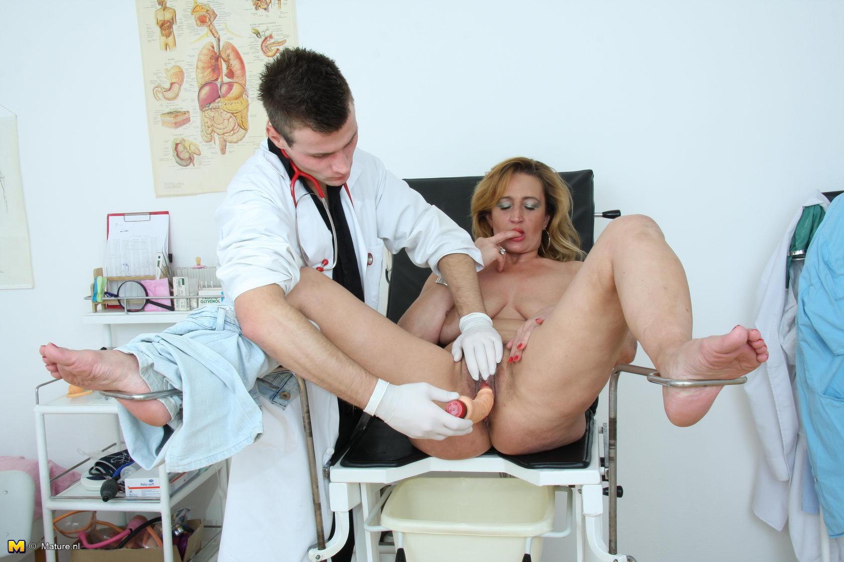 видео оргазм кабинет гинеколога процессе были