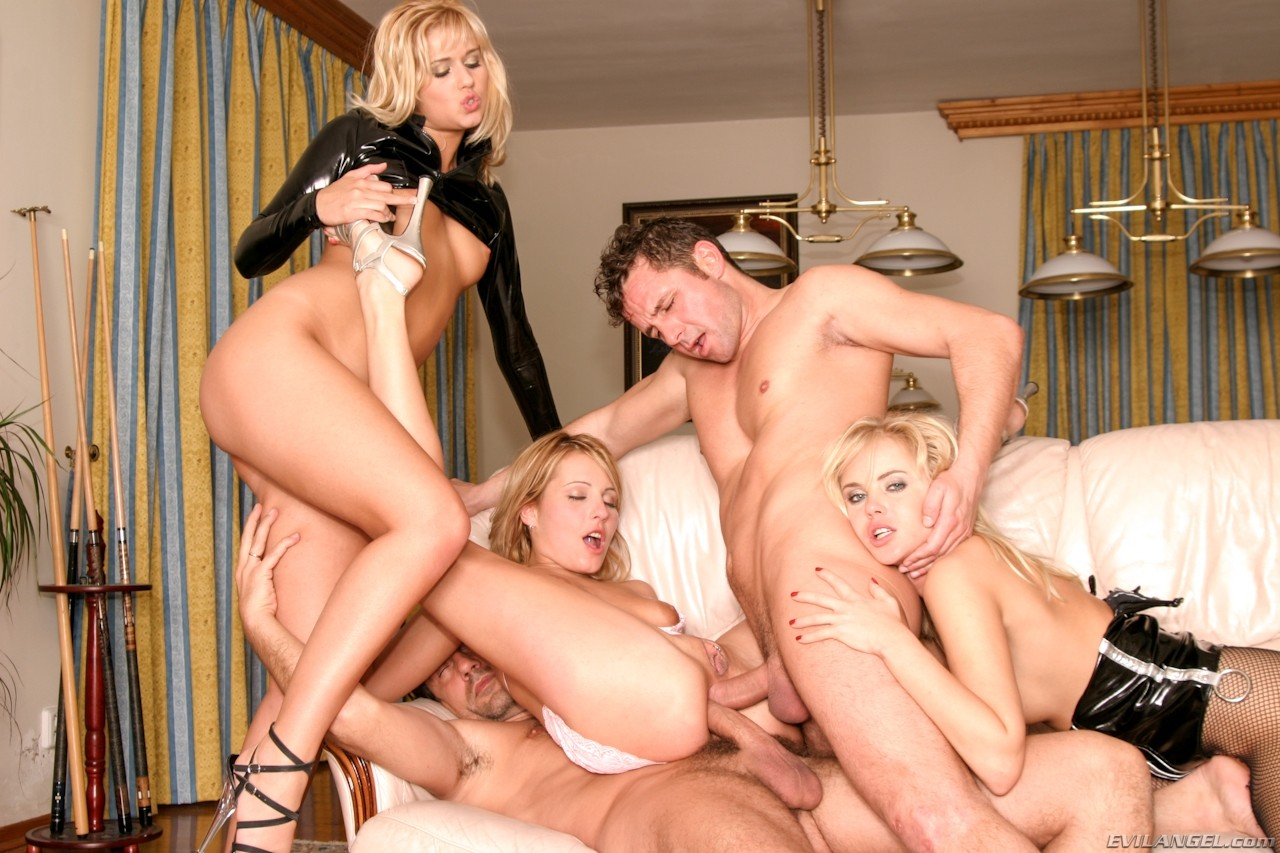 Porn orgy threesome milf — photo 6