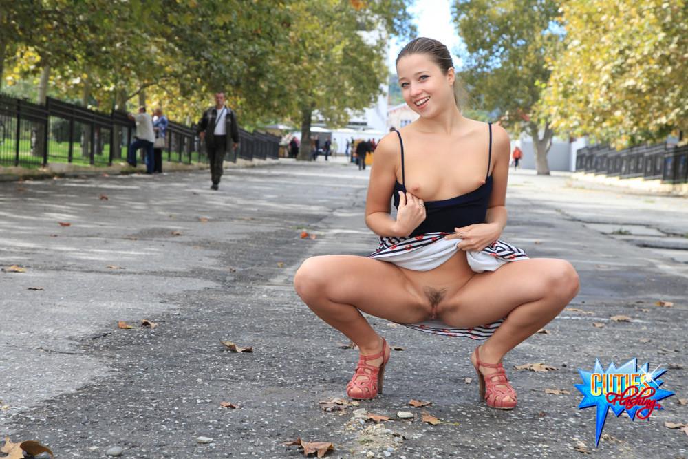 пизда на улице фото - 5