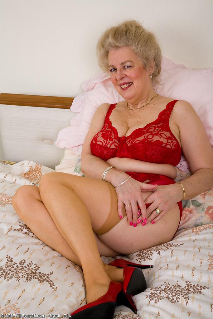 порно фото старых дам в красивом нижнем белье девушка нижнем белье