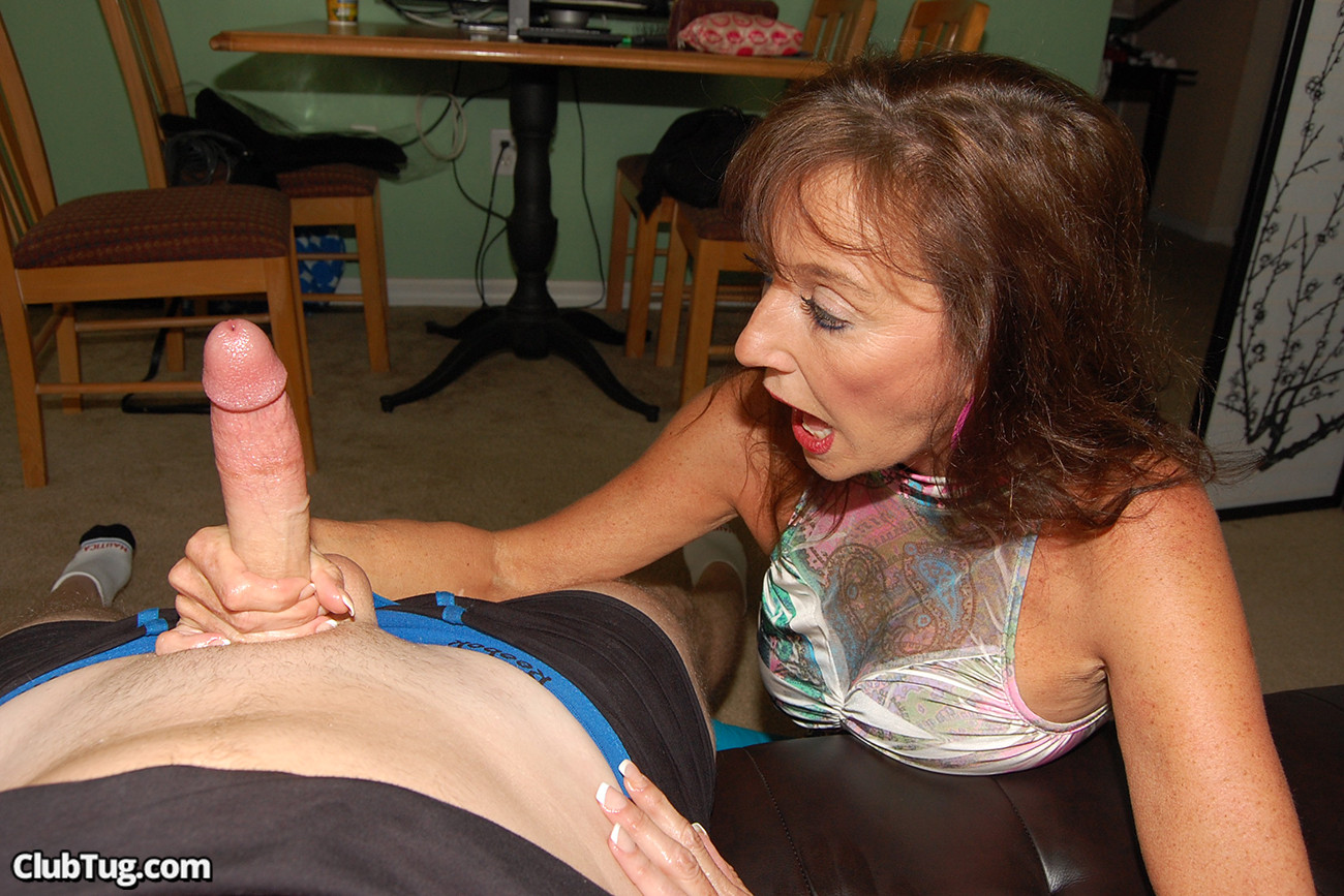 Handjob mature movies — photo 9