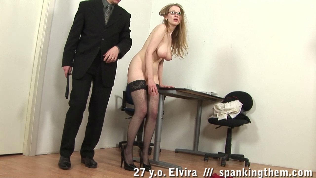Директор наказывают свой секретаршу, анал с сисястой азиаткой