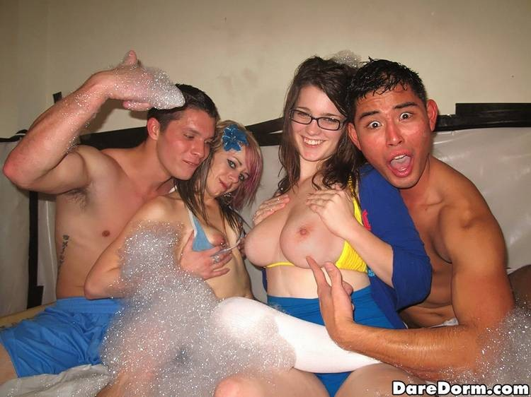 Вечеринка со студентками потаскушками
