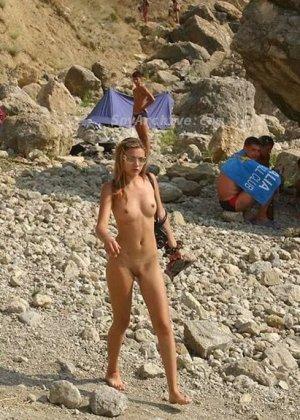 Полуголые телки на пляже