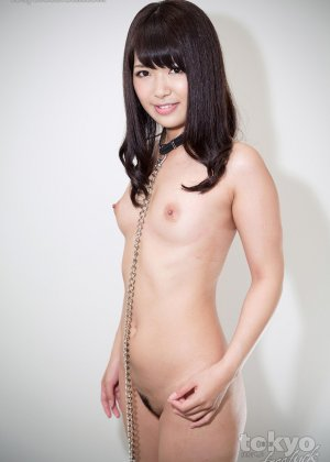 Маюка Момота сосет хуй японца