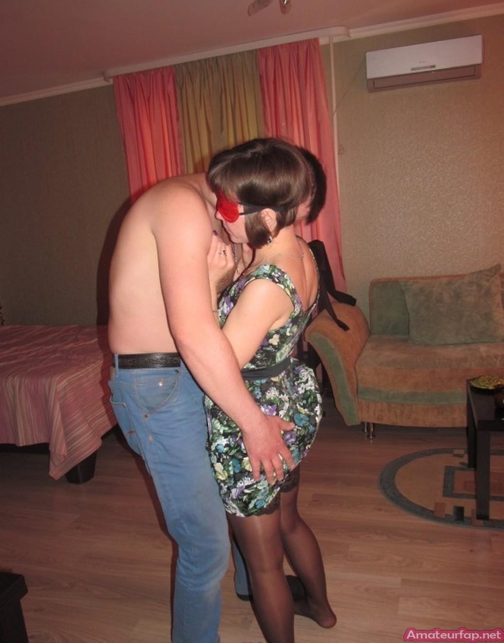 Женщина из Болгарии трахается с двумя мужчинами