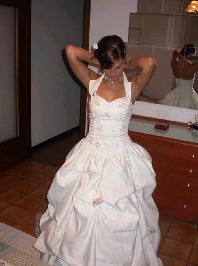 Невеста оголяется в день свадьбы и после
