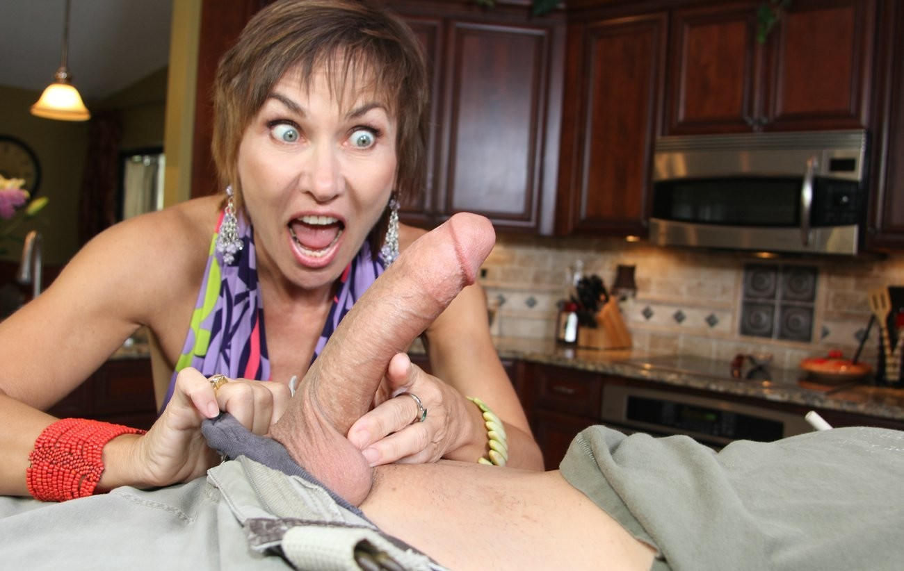 handjob-from-mums-friend